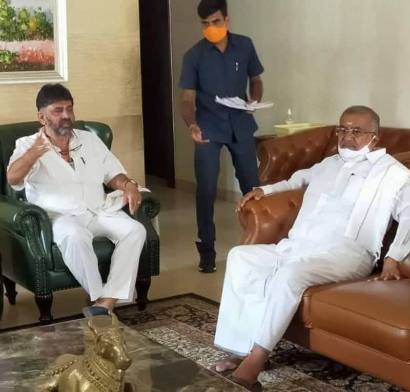 JDS MLA GT Devegowda Meets KPCC President DK Shivakumar rbj