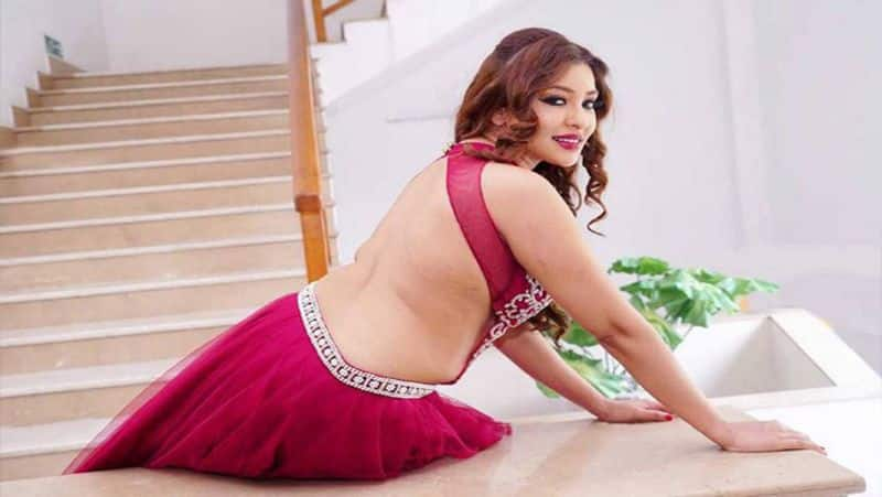 Attempt to throw acid on actress payal ghosh ... Union Minister comforts by going home