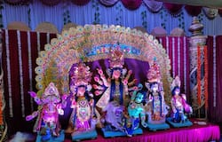 <p>They have collaborated with the brand Dunzo to deliver bhog prasadam at all 140 members' doorsteps for three days. This step was taken to keep the crowd at bay during the bhog distribution.</p>