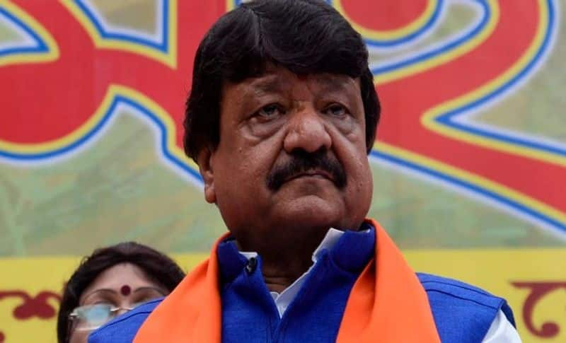 <p>Kailash Vijayvargiya alleged that the TMC government is creating violence in the state and infiltrators from the TMC are attacking BJP cadres.</p>