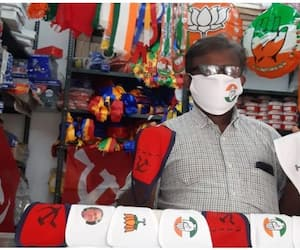 Sulaiman the screen printer who tries to beat Covid blues with Symbol Masks as Panchayat elections come closer