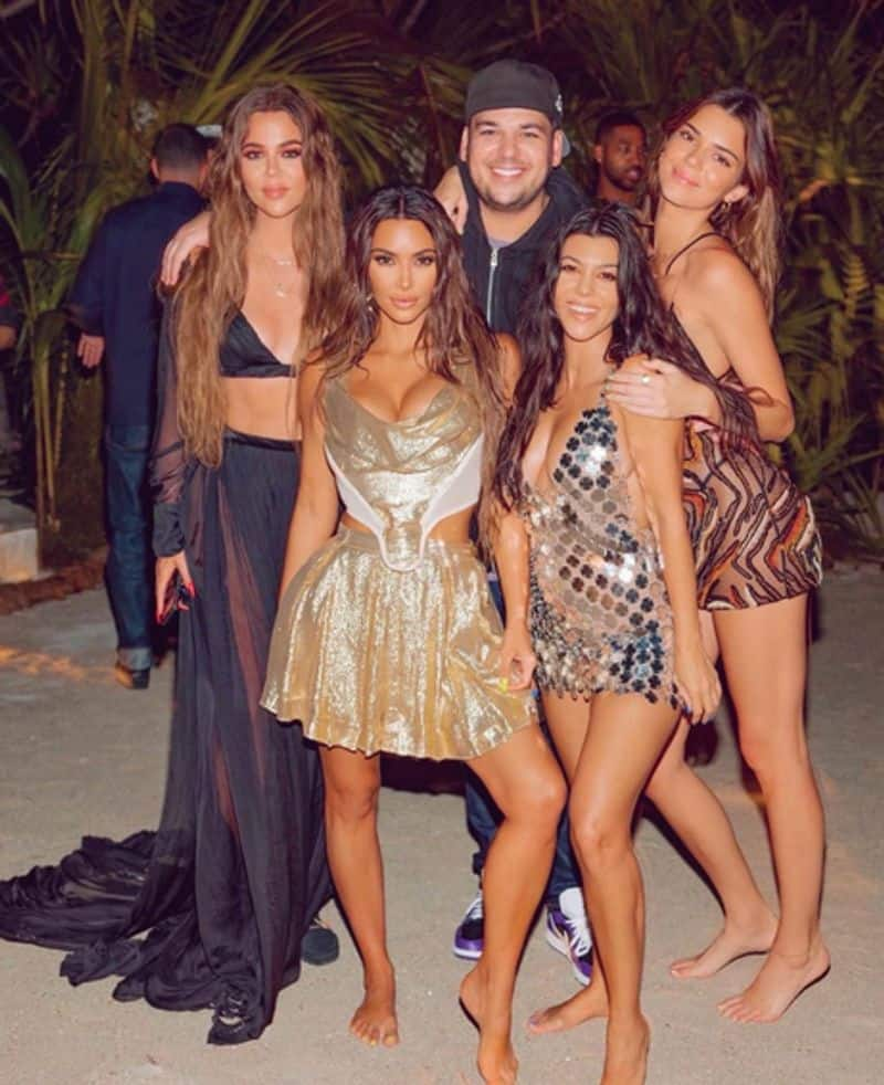 """<p>When the reality show Keeping Up With The Kardashians started, Khloe looked heavier than her other family members. For that, she got comments like """"Khloe is the fat sister"""" and """"Khloe is the ugly sister.""""</p>"""