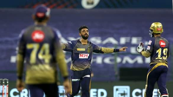 rcb lost 2 early wickets against kkr in ipl 2021
