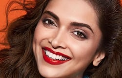 """<p style=""""text-align: justify;"""">Mamta Mohandas went to college with Deepika Padukone and still remembers the first time the two stars saw each other. She said, """"So, I think she was a year junior to me. I saw Deepika for the first time when we went on a field trip to Goa. She was on the same bus as mine. At that time, we just knew her as Prakash Padukone's daughter. People noticed her because she was extremely tall, and her friends were short. There were twin girls who walked on her left and right. It looked like an alphabet A. She was towering. She came across as a very calm, quiet and an inward person in college.""""</p>"""