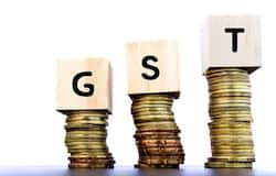 <p>GST collections for October <strong>grossed Rs 1.05 lakh crore - 10% YoY</strong></p>