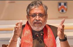 <p>बिहार में नीतीश कुमार का मुख्यमंत्री बनना तय हो गया है। सोमवार शाम साढ़े 4 बजे को वे राजभवन में 7वीं बार मुख्यमंत्री पद की शपथ लेंगे। वहीं, डिप्टी सीएम के लिए तारकिशोर का नाम लगभग तय हो गया है।&nbsp;</p>