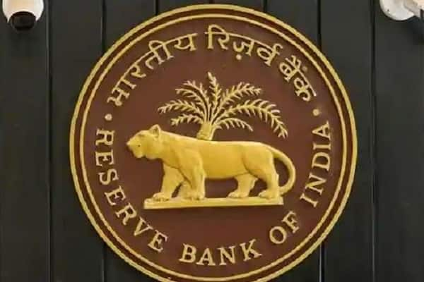 "<p>""Many technical rationalisations proposed by RBI's Internal Working Group are worth adopting, while its main recommendation, to allow Indian corporate houses into banking, is best left on the shelf.""</p>"
