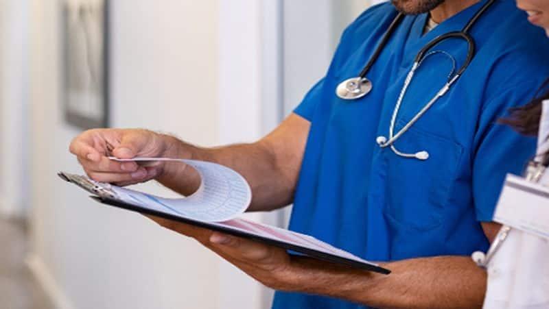 minister shankar narayana fires on penukonda govt hospital doctors - bsb