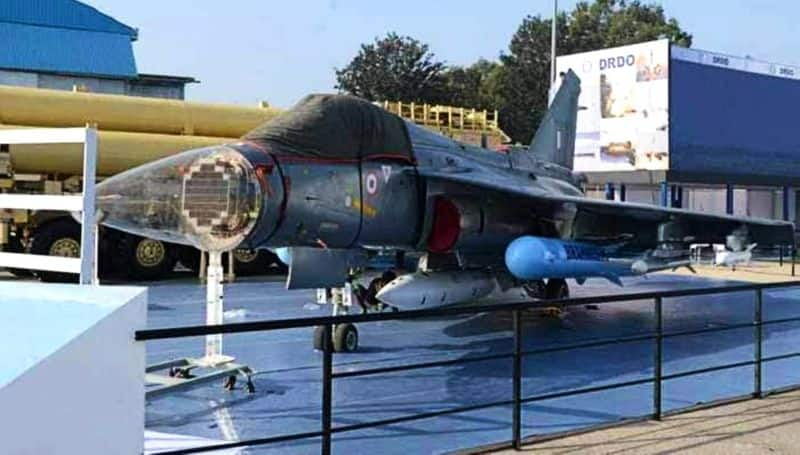Four times faster indigenous 'Astra' missile at Tejas, ground test to be completed