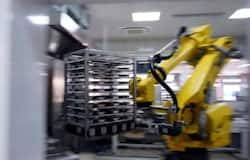 <p>robot in chinese school</p>