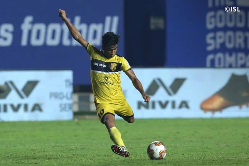 <p>In the meantime, Hyderabad's Mohammad Yasir was sent off in the 96th minute following a brutal challenge on Wahengbam Angousana. Although an attack more followed from SCEB a couple of minutes later, it was no avail, as both shared the honours at the full-time whistle.</p>