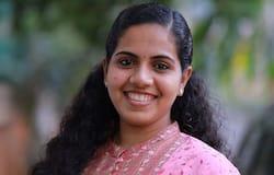 <p><br /> తిరువనంతపురం: కేరళ రాష్ట్రంలో జరిగిన స్థానిక సంస్థల ఎన్నికల్లో అధికార లెఫ్ట్ ఫ్రంట్ అధిక స్థానాలను కైవసం చేసుకొంది. రాష్ట్ర రాజధాని తిరువనంతపురంలో &nbsp;21 ఏళ్ల వయస్సున్న ఆర్య రాజేంద్రన్ ను మేయర్ పదవికి సీపీఎం ఎంపిక చేసింది.</p>