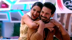 <p>Next, the housemates all do a special dance performance. Rahul Mahajan and Rakhi do a most fun and entertaining dance performance to the song Tip tip barsa paani which leaves Rahul a bit shocked!&nbsp;</p>