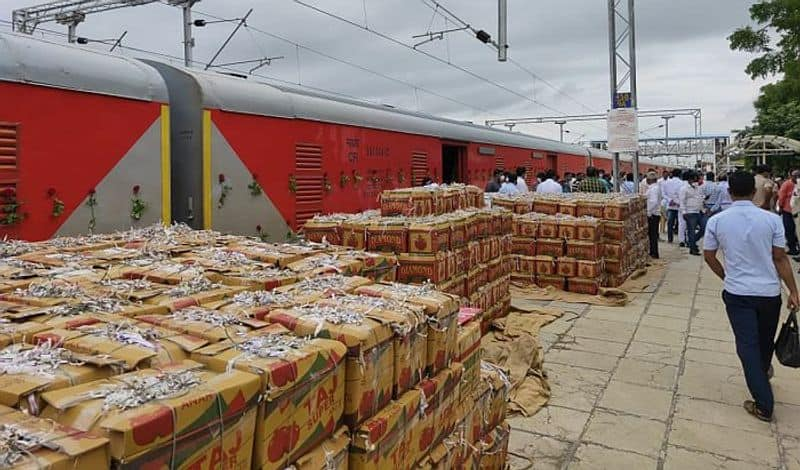<p>Here's what you should know about the 100th Kisan Rail:<br /> &nbsp;</p>  <p>* The 100th Kisan Rail will cover a distance of 2132 kilometres within 40 hours.<br /> &nbsp;</p>  <p>* The service will carry vegetables such as cauliflower, drumsticks, chillies, onion, capsicum, cabbage and fruits like grapes, oranges, custard apple, pomegranate and banana.<br /> &nbsp;</p>