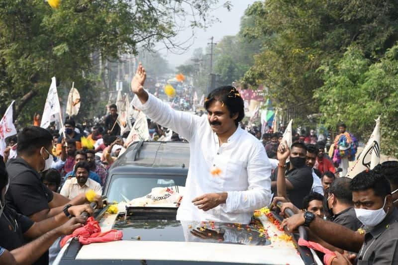 janasena chief pawan kalyan reacts on visakha steel factory privatisation lns