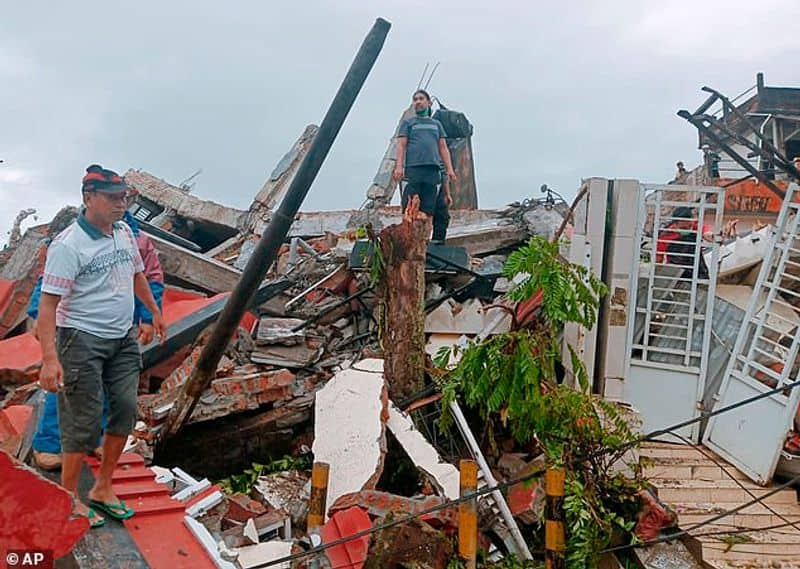 35 Killed After Strong Quake In Indonesias Sulawesi ksp