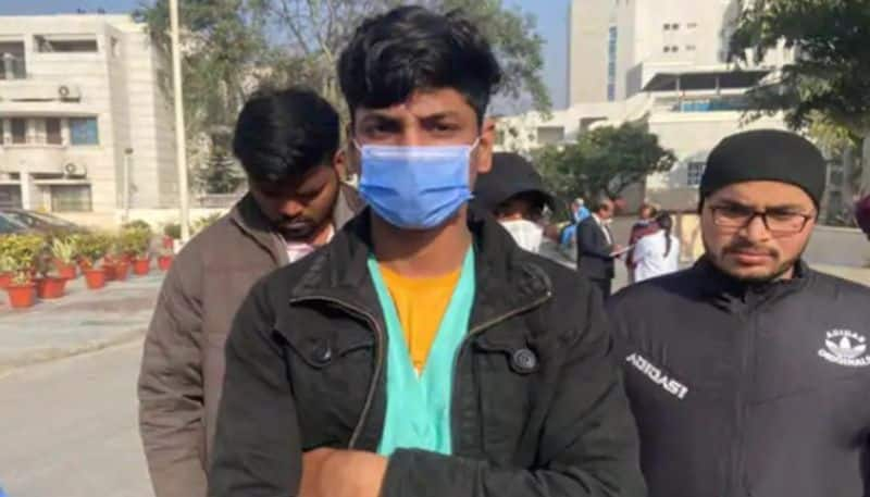 mortuary employee from delhi shares experience of pandemic after vaccination