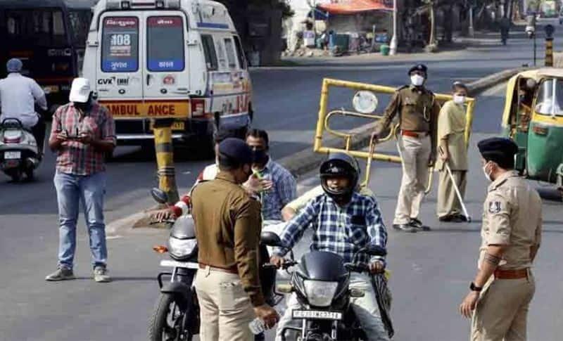 Delhi announced curfew till Monday