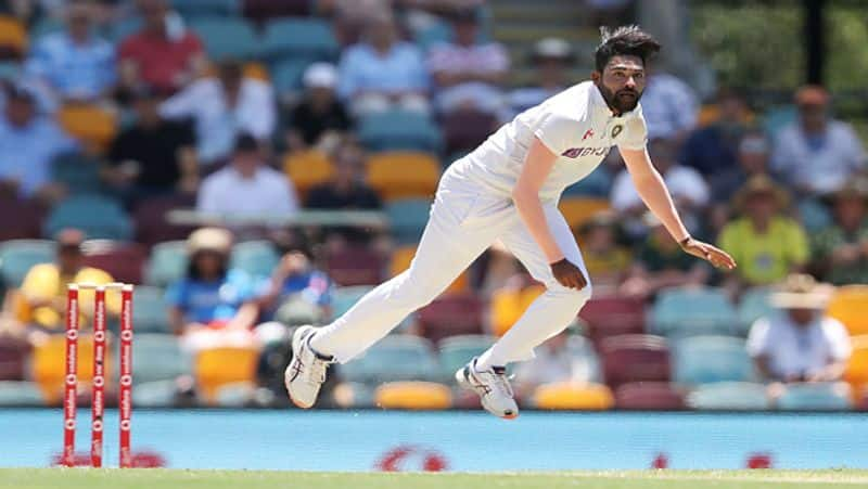 Mohammed Siraj visits father grave upon arrival in India, lays flowers and offers prayers-ayh