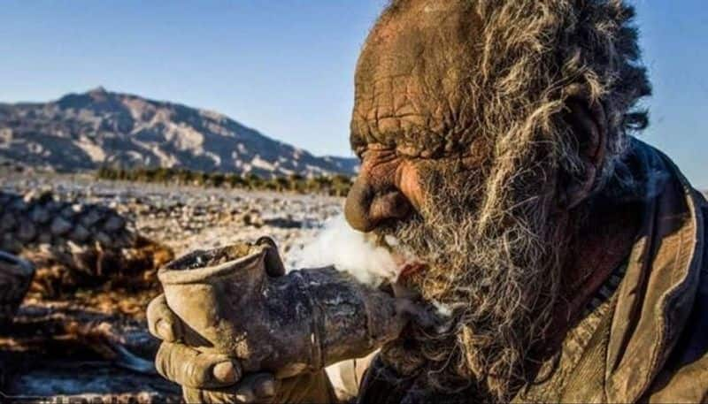 Meet world's dirtiest man Amou Haji, who has not bathed in 65 years - bsb