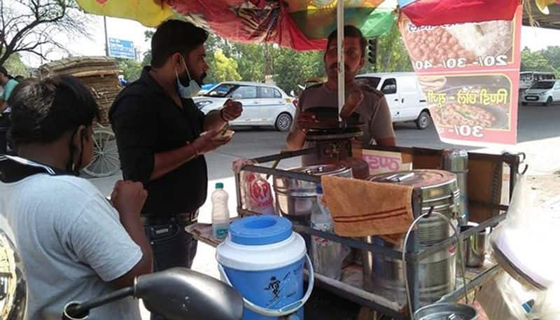 How Deepak, a snack seller, sustained himself during lockdown and earns good profits now