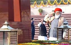 <p>Prior to the commencement of the Parade, Prime Minister Narendra Modi led the nation in paying solemn tributes to the martyrs by laying a wreath at the National War Memorial at the India Gate.<br /> &nbsp;</p>  <p>After the Prime Minister laid the wreath, the Guard Commander gave the Salami Shastra -- Present Arms followed by Shok Shastra -- Reverse Arms. The buglers sounded the 'Last Post'.<br /> &nbsp;</p>  <p>Later, the Prime Minister and other dignitaries drove to the saluting dais.</p>