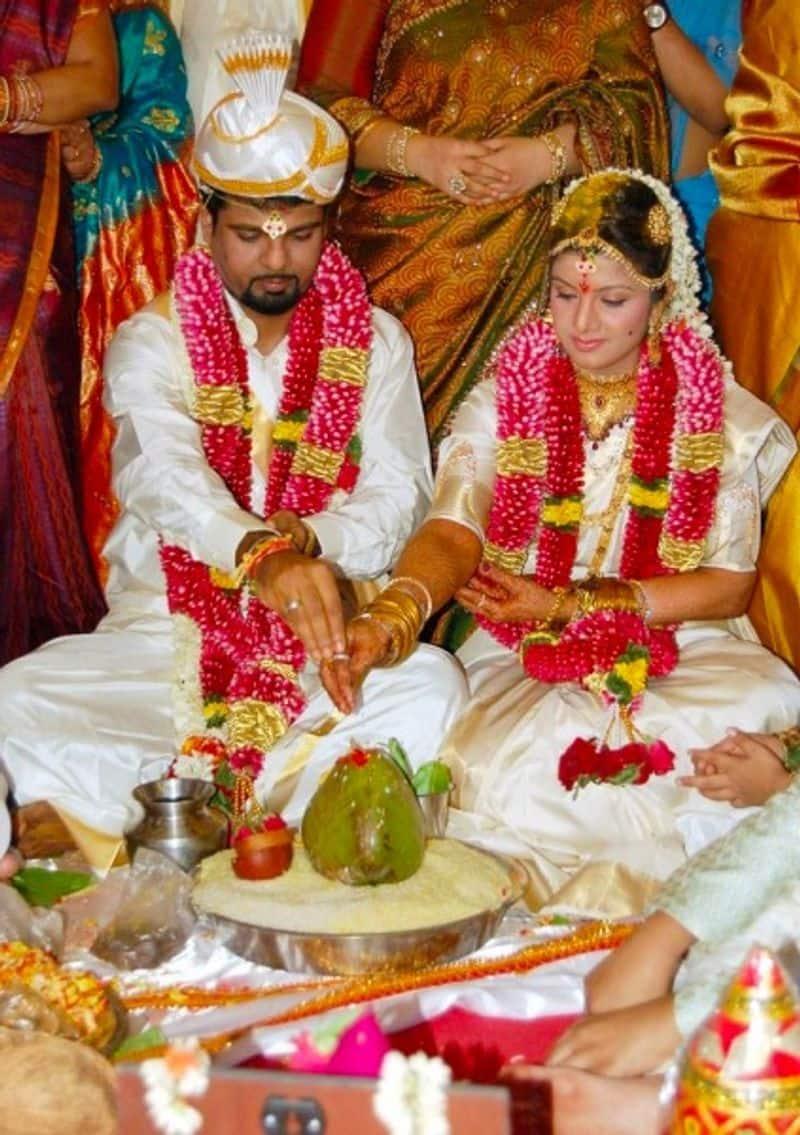 నటి రంభ కెనడాకి చెందిన వ్యాపారవేత్త ఇంద్రకుమార్ పద్మనాభన్ని  2010లో వివాహం చేసుకుంది.