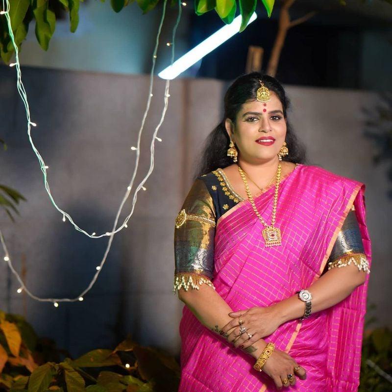 కరాటే కళ్యాణి కూడా బిగ్ బాస్ సీజన్ ఫోర్ లో పాల్గొన్న సంగతి తెలిసిందే. అయితే ఆమె రెండు వారాలకే హౌస్ నుండి ఎలిమినేట్ అయ్యారు. యంగ్ జనరేషన్ తో హౌస్ లో ఆమె ఇమడలేకపోయారు.