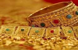 सिर्फ भारत में ही सोने की कीमत नहीं बढ़ी, बल्कि दुनिया के स्तर पर भी सोना करीब 23 फीसदी महंगा हुआ। इससे पहले साल 2019 में भी सोने के दाम में बढ़ोत्तरी की दर ज्यादा थी। (फाइल फोटो)