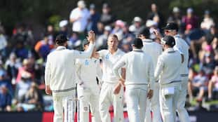 England collapsed against New Zealand in second Test