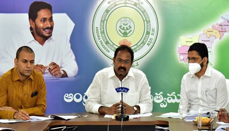 ap health minister alla nani comments on oxygen and vaccination ksp