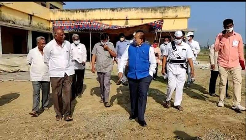 ap local body elections : collector imtiaz inspected polling booths in krishna district- bsb