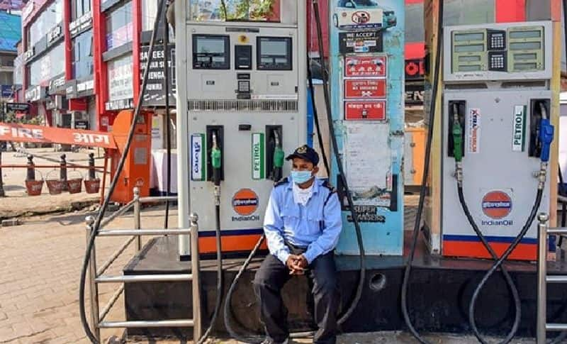 fuel  price : diesel and petrol price hiked today on 15 february 2021 know rates according to iocl