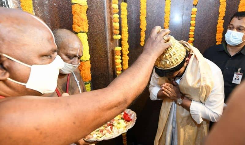 అంతర్వేది ఆలయంలో సీఎం జగన్... నూతన రథం ప్రారంబోత్సవం