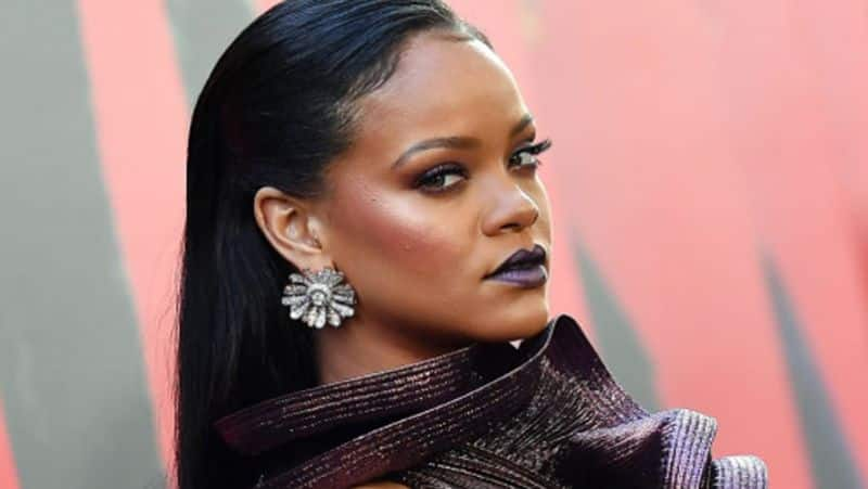 Forbes says Singer Rihanna is officially a billionaire vcs