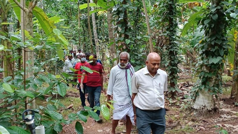 isha conducted organic farming tour for pioneer farmers