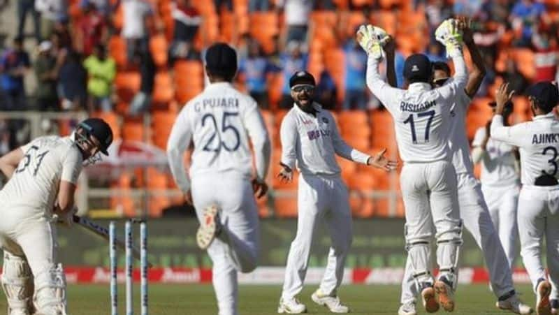 India vs England: Pink ball test ends in two days, fans defeated