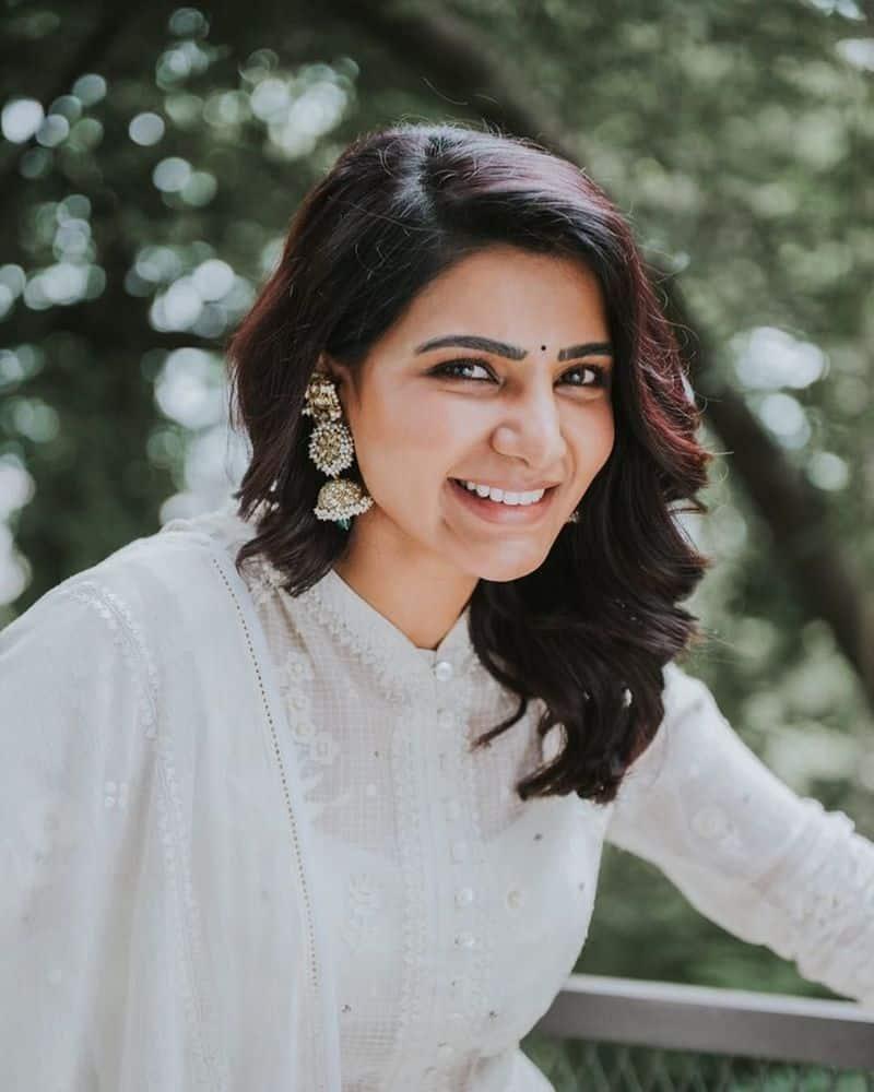 తన మొదటి చిత్ర హీరో నాగ చైతన్యనుసమంత గోవాలో2017లో హిందూ, క్రిస్టియన్ సాంప్రదాయాల్లోపెళ్లి చేసుకున్నారు.