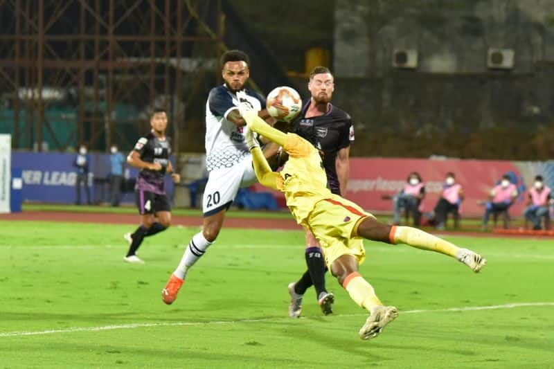 <p>A couple of attempts more was made by SCEB until the 35th minute, before goalkeeper Ravi Kumar's own goal restored SCEB's lead in the exact minute. Three more attempts were made, while a save each from the goalkeepers ensured SCEB led at half-time.</p>