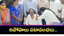 minister eetela taken corona vaccine in karimnagar