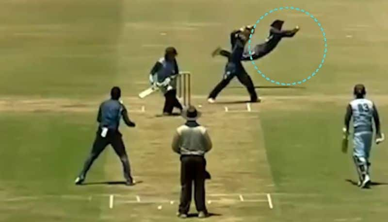 South Africa Slip Fielder Catches sweep shot, video goes viral Social Media CRA