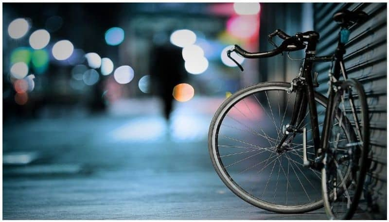 Robber returns to crime scene to collect cycle gets caught