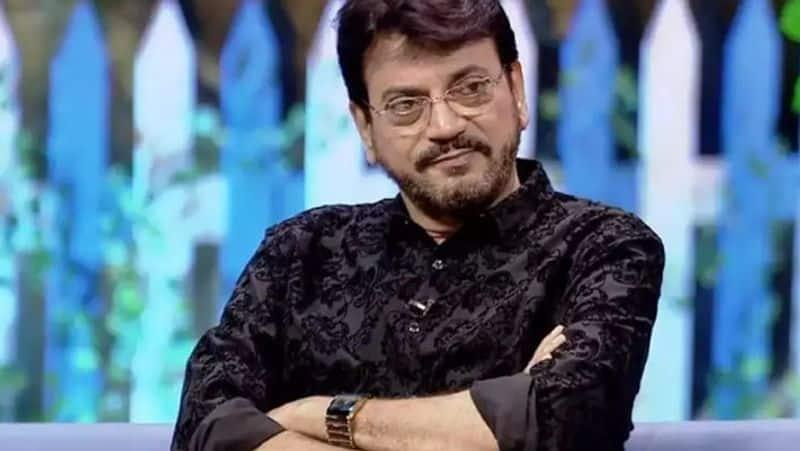 <p><strong>बंगाल के चुनाव में टॉलीवुड की कहानी</strong><br /> इस समय बंगाल का सिनेमा बुरे दौर में है। एक मीडिया से हाउस से बात करते हुए बांग्ला फिल्म इंडस्ट्री के मशहूर अभिनेता और दो बार से TMC विधायक <strong>चिरंजीत चक्रवर्ती</strong> मानते हैं कि इस समय टॉलीवुड के हाल अच्छे नहीं हैं। पहले साल में करीब 80 फिल्में बनती थीं, अब आधी। यानी कलाकार पुनर्वास तलाश रहे हैं।</p>