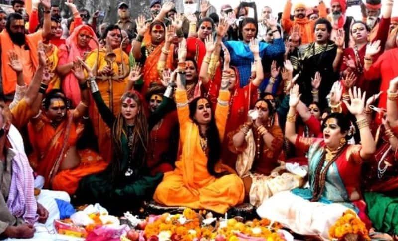 Returning from Kumbh to Bangalore, a woman spread corona among 33 people bsm