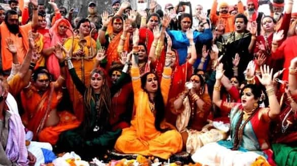 Returning from Kumbh to Bangalore, a woman spread corona among 33 people bsm