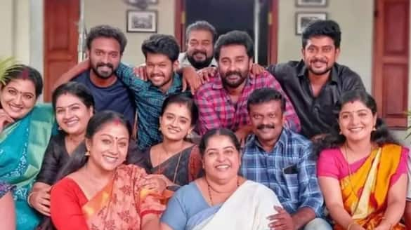 trp rating out santhwanam  comes first over kudumba vilakku