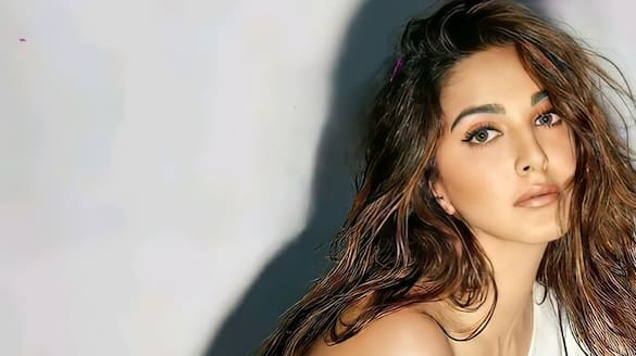 kiara advani completes 7years of industry and says she wants to do a telugu film ksr