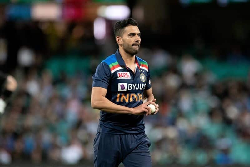 Deepak Chahar did not take a wicket in the first innings of the first ODI but showed strength later.  Deepak, who took a crucial wicket in the middle order, was stingy in giving up runs.