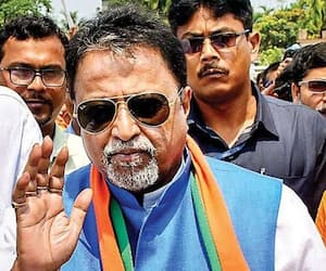 Mukul Roy wife not feeling well is in Ecmo support bmm