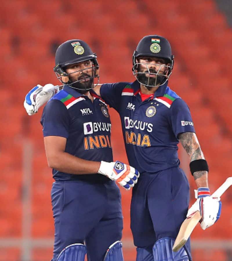 <p>শেষ ম্যাচে ইংল্যান্ডের বিরুদ্ধে ২২৪ রানের পাহাড় প্রমাণ স্কোর করে ভারতীয় দল। যা টি-টোয়েন্টি ফরম্যাটে ইংল্যান্ডের বিরুদ্ধে ভারতের সর্বোচ্চ স্কোর। এর আগে ২০০৭ টি-টোয়েন্টি বিশ্বকাপে ২১৮ রান তুলেছিল তারা।<br /> &nbsp;</p>
